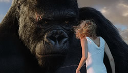 Kong inspects Ann Darrow curiously